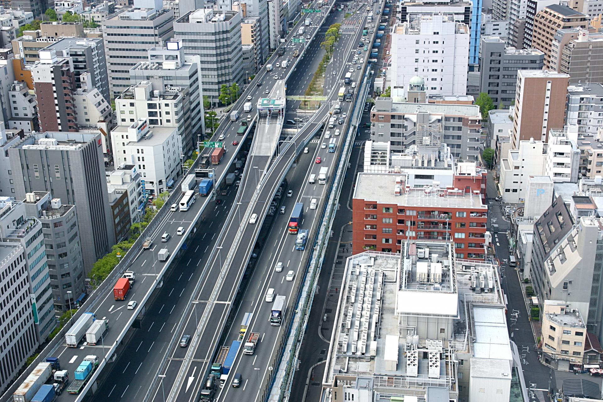 西日本高速道路のライブカメラや道路情報