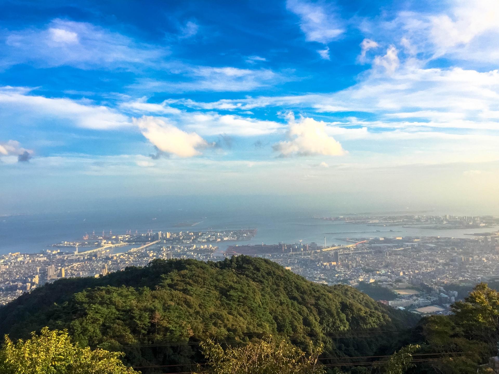 六甲山の観光マップやスキー場について