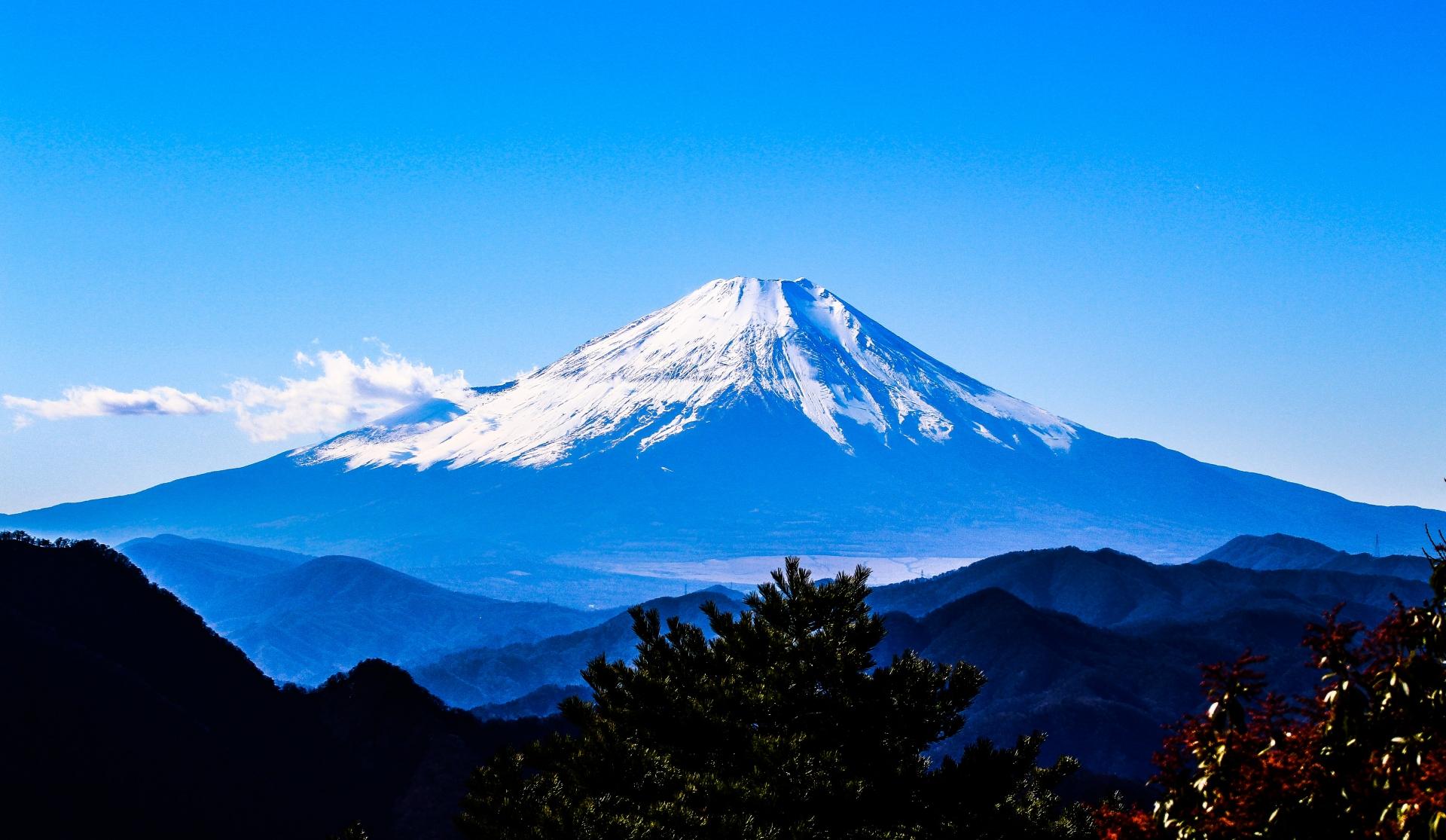 富士山【世界遺産】の観光や登山ツアーと周辺のライブカメラ