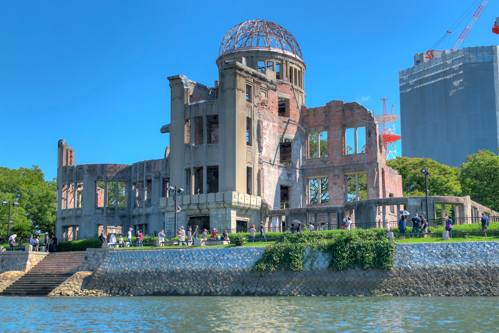原爆ドームの歴史や世界遺産登録への経緯と資料館の料金・営業時間・アクセスについて